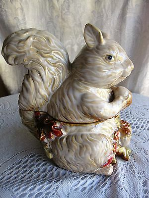 Lily Creek Autumn Acorn and leaves with Squirrel Covered Candy Nut Dish Pottery