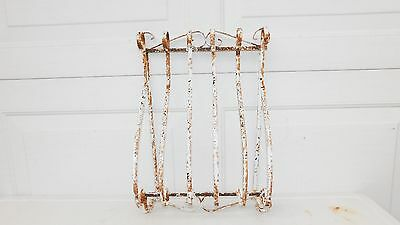 Antique/Vintage Garden Wall Decor Wrought Iron Rusty White Wall Hanger