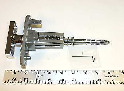 Dixie Narco soda beverage vending machine T handle lock assembly for plug lock