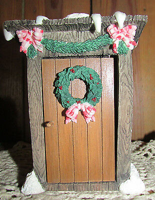 Mary's Moo Moos Christmas Potty Musical Outhouse  By Enesco 4 1/2 Inches