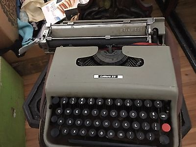 Vintage 60's Olivetti Lettera 32 portable typewriter and case, good cond
