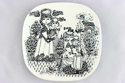 A Bjorn Wiinblad wall plate for Nymolle. 1976 -1977 Danish design