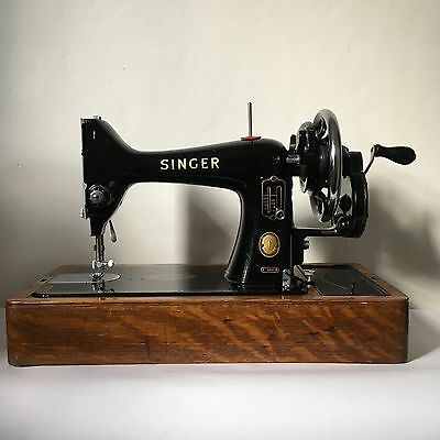 Vintage Singer 99K reverse classic hand crank sewing machine