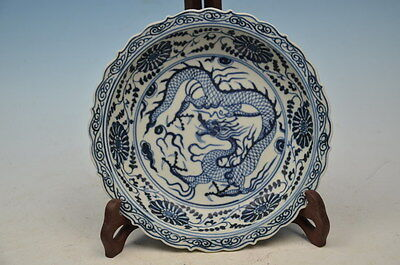 Fine  beautiful chinese hand-painted blue and white Porcelain plate