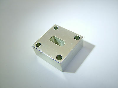 WR42 Waveguide Adapter Block 18 - 26.5GHz INV2 900390