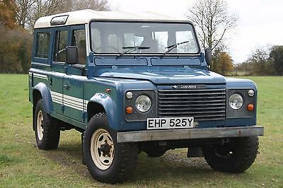 Land Rover 110 County Station Wagon 300 TDI - Defender