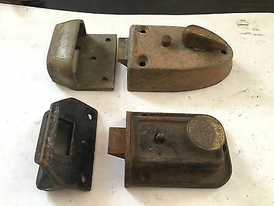 2 Old Yale Cast Metal Iron Entrance Door Spring Loaded Latch Rim Lock Catch