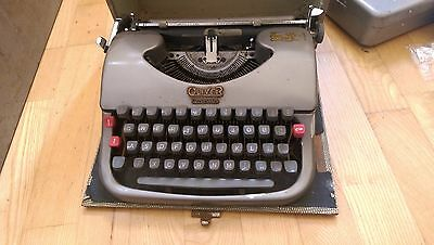 Vintage Oliver Courier Type 5 typewriter
