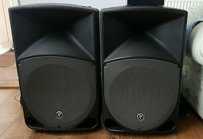 2 x Mackie thump TH-15A active speakers