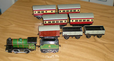 Hornby 0 Gauge Loco And Tender  With 7 Wagons