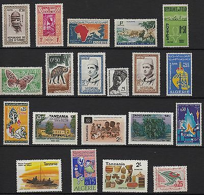V28) x20 TIMBRES stamps (Neuf**MNH TBE) Afrique Algérie Maroc Tansania ...