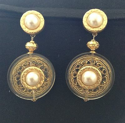 """Vintage Large Disc Faux Pearl Gold Tone Dangle Clip On Earrings 2.5"""" Long"""