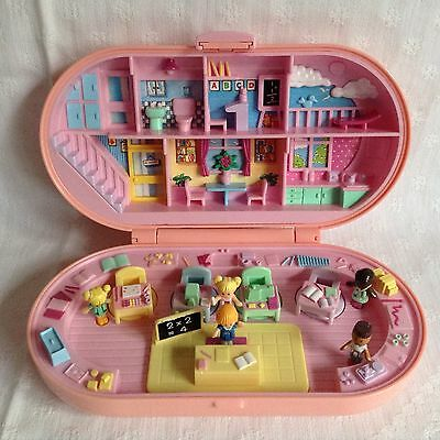 Vintage 1992 Polly Pocket Stamping School Set - 5 Figures - Excellent condition
