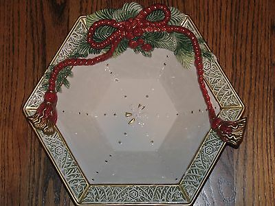 FITZ & FLOYD CLASSICS Winter Holiday Santa Hexagonal Bowl NICE