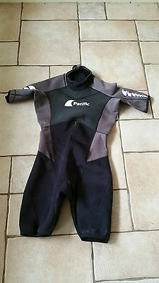 Pacific 3mm Shorty Wet Suit - Black / Grey - XL **FREE UK POST**