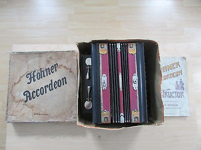 Hohner Accordeon 1904 St Louis With Instruction Book & Original Box Model 532