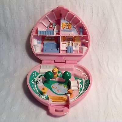 Vintage 1989 Polly Pocket - Polly's Country Cottage Complete with 3 Figures