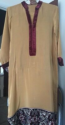 Asian Pakistani Indian Beige And Maroon Embroided Kamiz Trouser Suit