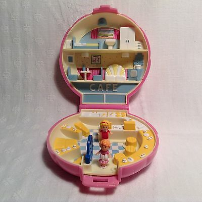 Vintage 1989 Polly Pocket - Polly's Cafe With the 2 Original Figures