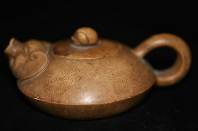 Antique Chinese Hand Make old Yixing purple sand teapot B13