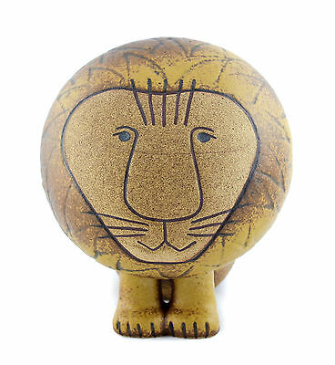 A Lisa Larson lion. Swedish pottery design. Scandinavian