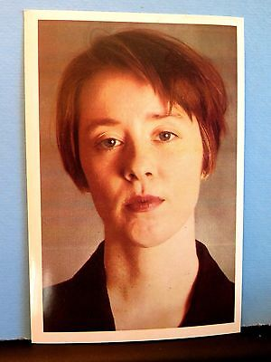 Suzanne Vega REAL hand SIGNED Autograph 4X6 PICTURE POSTCARD SONG LUKA TOM'S