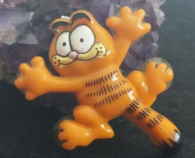 "Vintage Garfield ""suction Cup On Window"" Signed United Feature Syndicate Pin"