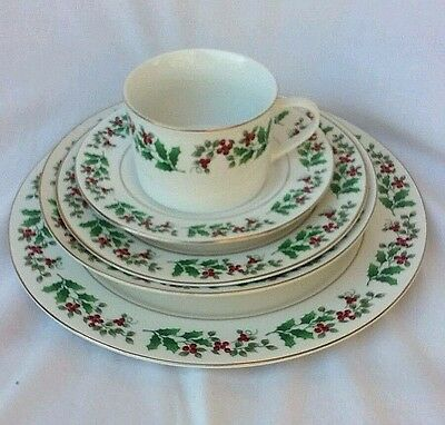 Gibson Christmas Charm china holly & berries, 5-piece place setting Lenox Gorham