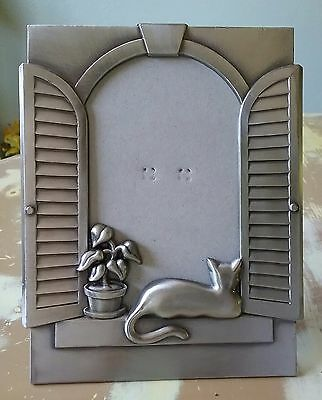 Beautiful Cat In The Window Silver Metal Picture Frame Home Decor Unqiue & RARE