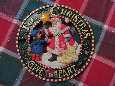 """Mary Engelbreit """"For Christmas Give Your Heart"""" Resin Wall Plaque Mint 9 1/2"""""""