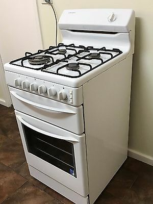 Westinghouse Natural gas Stove with wok burner