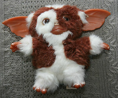 """gizmo from the gremlins soft toy neca approx 6"""" tall"""