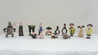 A Selection Of Wallace And Gromit Plastic Figures 1989 - Please See Below