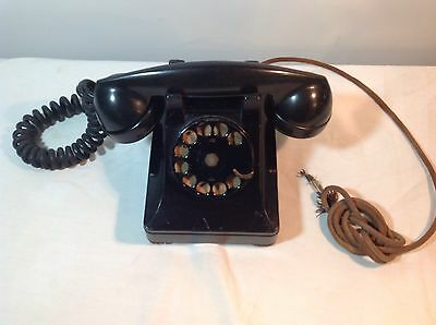 Vintage Bell Systems Western Electric 302 rotary Telephone with F1 handset