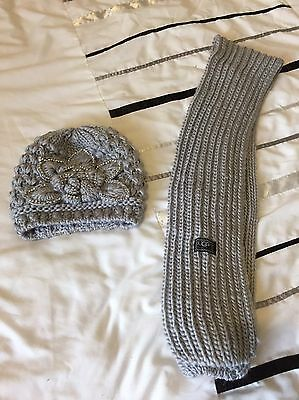 Ladies Ugg Hat An Scalf Set