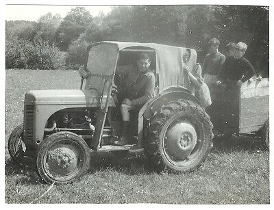 Vintage photo photograph English scouts 1950s shorts uniform - 10 - old tractor