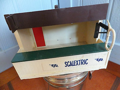 Vintage Tri-ang SCALEXTRIC A202 Racing Pit Building