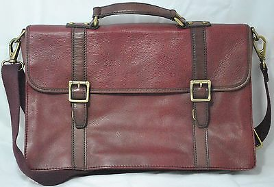 Authentic Fossil Leather Briefcase Messenger bag Beautiful Burgundy/Wine Color