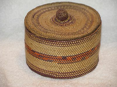 """Finely Woven Early Makah Lidded Basket 3.5"""" x 4.5"""", Nice Condition"""