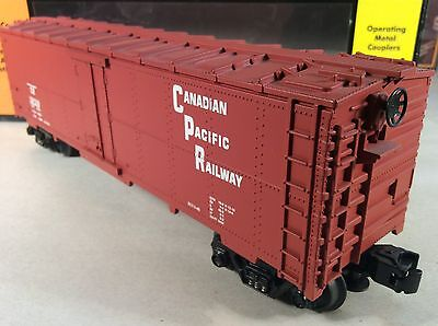 MTH 30-7826 - Canadian Pacific CP Modern Reefer Car w/ Box