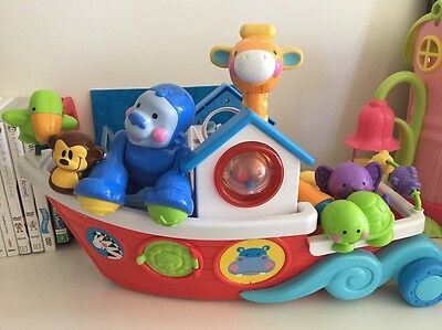 Fisher-Price Amazing Animals Roll-Along Musical Ark
