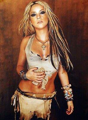 Shakira Unsigned 8x12 Photo (64)