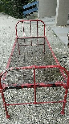antique cast iron bed