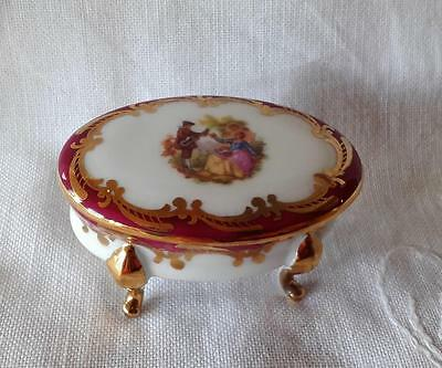 Vintage Oval 1970s French Limoges Polychrome Trinket Box With Fragonard Picture