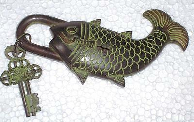 A very attractive, beautiful & nicely engraved FISH LOOK PADLOCK & 2 keys-INDIA.