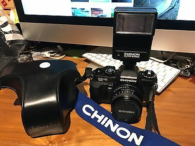 CHINON CP-X Program 3.5mm Film CAMERA SLR (MINT CONDITION) With FLASH s-250