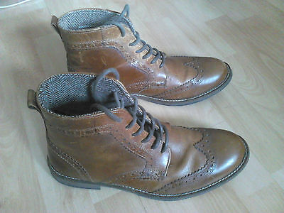 Mens Brown Brogue Leather Boots size 8. Great condition