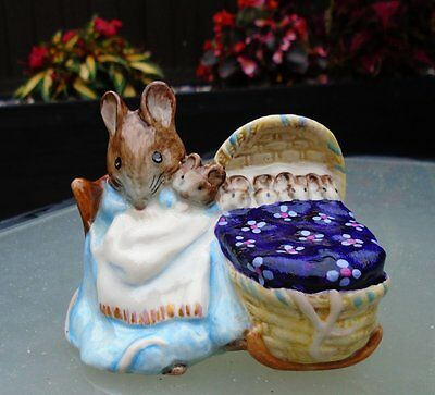 "Beswick Beatrix Potter ""HUNCA MUNCA"" UNUSUAL PURPLE PATTERNED BLANKET"