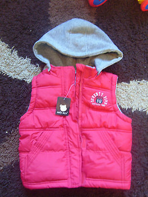 BNWT boys padded gilet with detachable hood 18-24 months