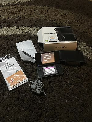 Nintendo DSi XL Handheld Console With box, Leather case And Charger